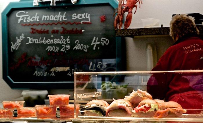 Isemarkt in Hamburg. Wattwürmer und Zuckerbäcker