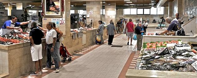 Sardinien. Mercato di San Benedetto