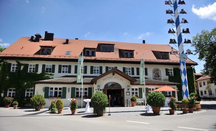 Der schönste Biergarten Münchens. Brauereigasthof Aying.