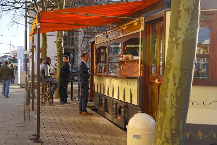 Tram Cafe2