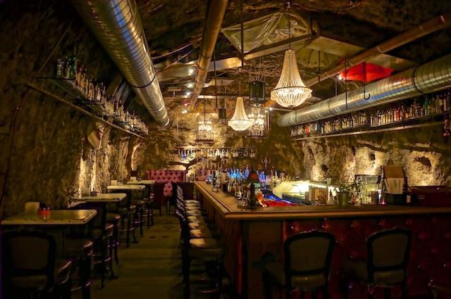 Stollen 1930. Spektakuläre Gin-Bar in Kufstein