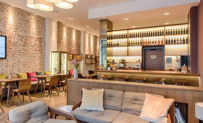 Thompson KW Lounge – Kamin, Food, Bar
