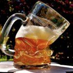 Schäumen vor Ärger - Plastik im Bier